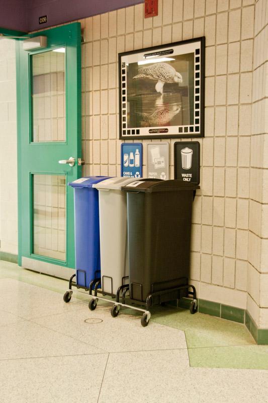 Stacja Red Line do segregacji śmieci w sanitariatach