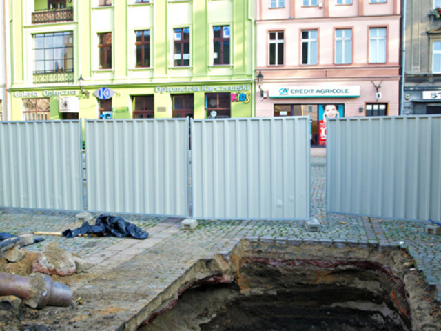 Realizacja gniazda śmietników podziemnych - Toruń